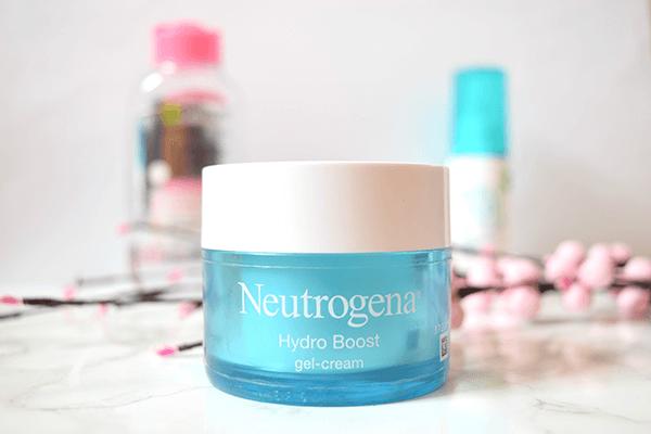 Kem dưỡng ẩm neutrogena giúp giữ nước và bảo vệ độ ẩm tự nhiên của tế bào da