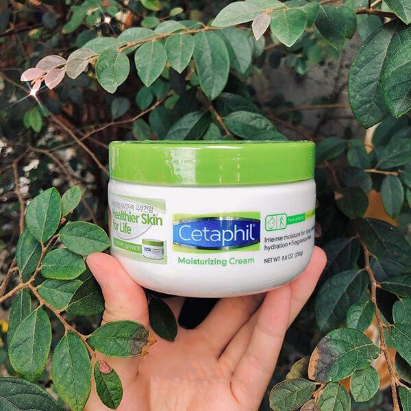 Kem dưỡng ẩm Cetaphil dành cho da khô và rất khô