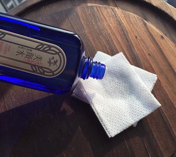Lotion trị mụn Meishoku Bigansui chỉ chứa một lượng rất nhỏ Alcohol denat