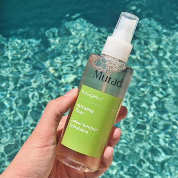 Với khả năng dưỡng ẩm tốt và lành tính cao, Murad Hydrating luôn nằm trong top toner được yêu thích nhất