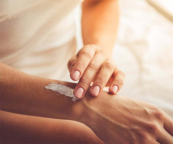 Calamine lotion là một loại kem dùng để bôi ngoài da