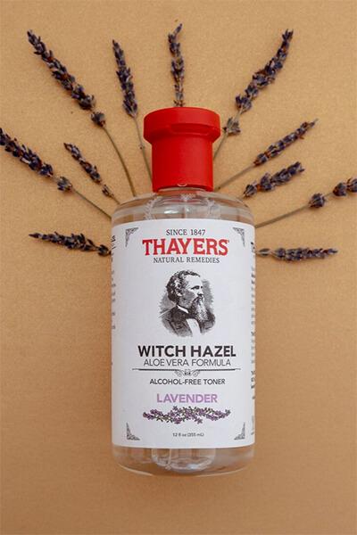Thayer Witch Hazel Lavender lại được thiết kế theo phong cách cổ điển