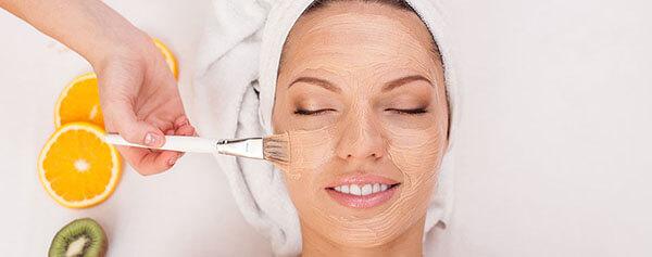 Peel da đang là phương pháp trẻ hóa làn da rất được ưa chuộng ở các spa và thẩm mỹ viện