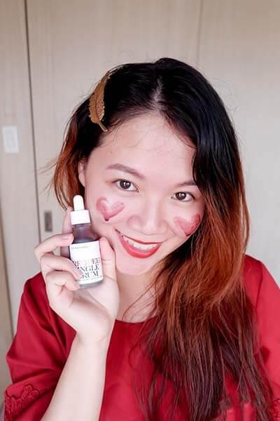 Sử dụng Serum peel da lên bề mặt bạn muốn peel da và thoa đều