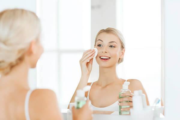Toner có chức năng tái tạo da, trị nám, xạm, chống oxy hóa