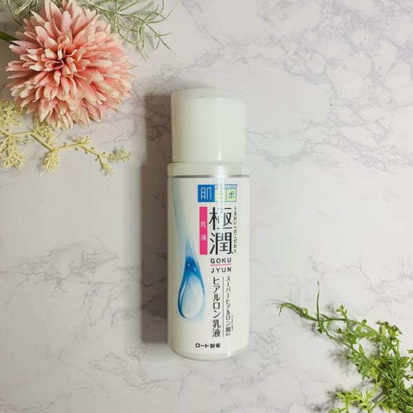 Sử dụng xịt khoáng tức thì nếu thấy da khô rát khó chịu có thể sử dụng nhiều lần trong ngày