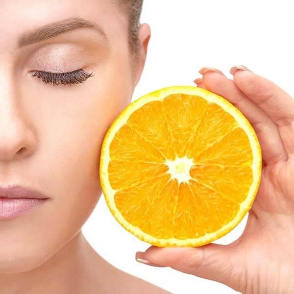Vitamin C là một trong những chất có tác dụng rất tốt giúp ngăn chặn quá trình lão hóa