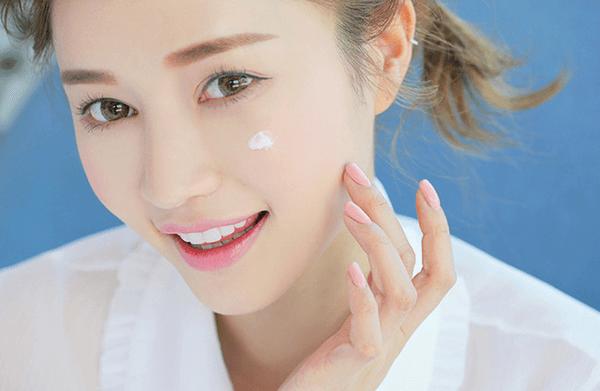 Sử dụng kem dưỡng da đúng cách