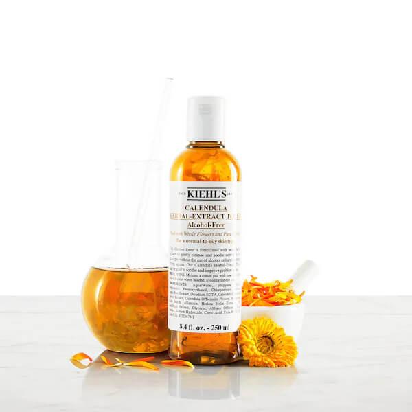 Kiehl's Calendula Herbal Extract Alcohol-Free không chứa cồn và hương liệu