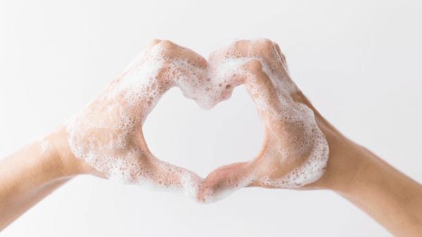 Làm sạch tay giúp tăng hiệu quả kem dưỡng