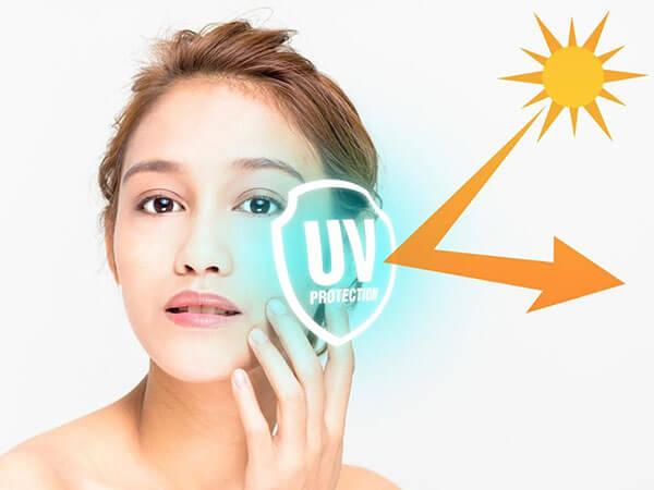 Kem chống nắng giúp bảo vệ da khỏi các tác nhân gây hại từ ánh nắng mặt trời