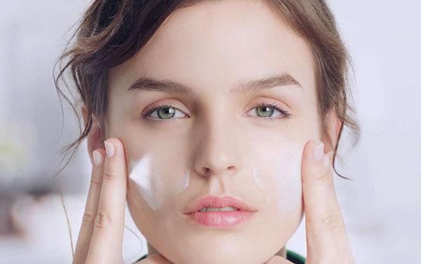Review TOP sữa rửa mặt cho da nhạy cảm hiệu quả nhất hiện nay