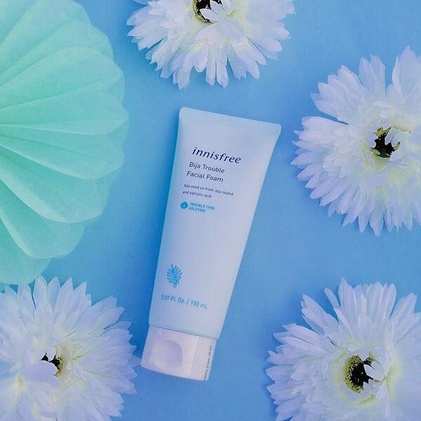 Sữa rửa mặt cho da nhạy cảm Innisfree Bija Trouble Facial Foam