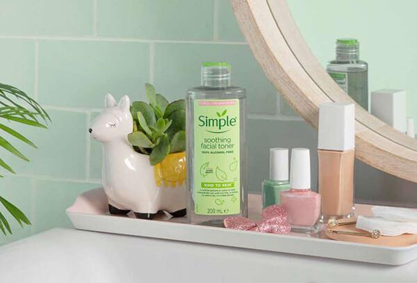 Simple Kind To Skin Soothing Facial Toner an toàn cho làn da