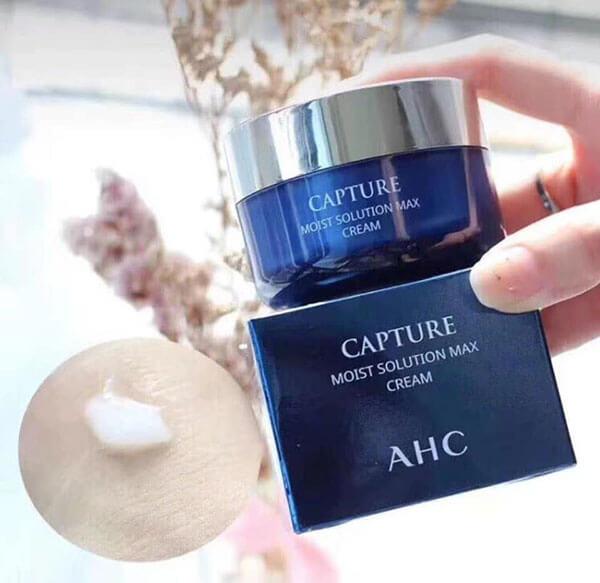 Sản phẩm dưỡng ẩm AHC Capture Moist Solution Max Cream