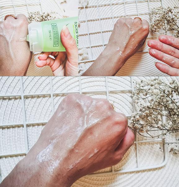 Simple Kind To Skin Refreshing rất ít tạo bọt nên bạn hoàn toàn yên tâm khi sử dụng nhé