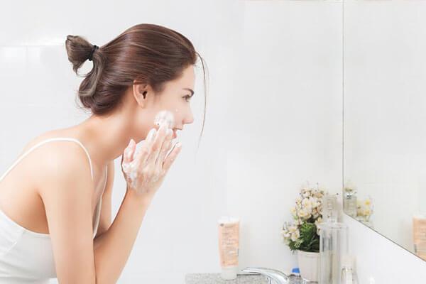 Xác định tình trạng da khi chọn sữa rửa mặt phù hợp