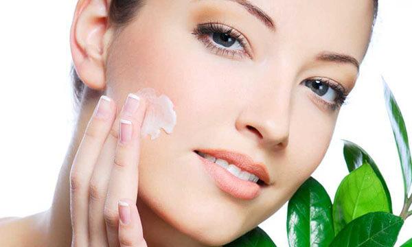 Cách dùng kem dưỡng ẩm cho da khô phù hợp cho làn da bạn đang sở hữu