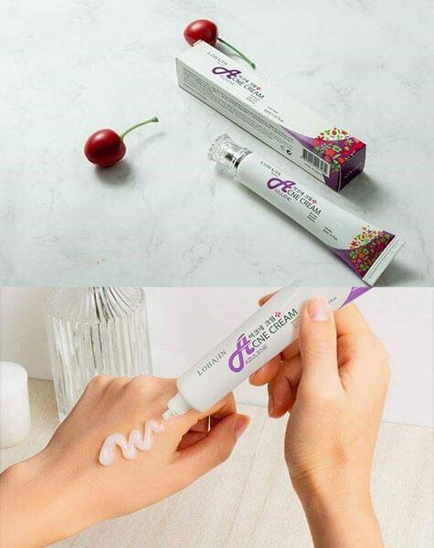Lohajin Acne Azulene Cream có kết cấu dạng gel mang cảm giác mát lạnh tức thì
