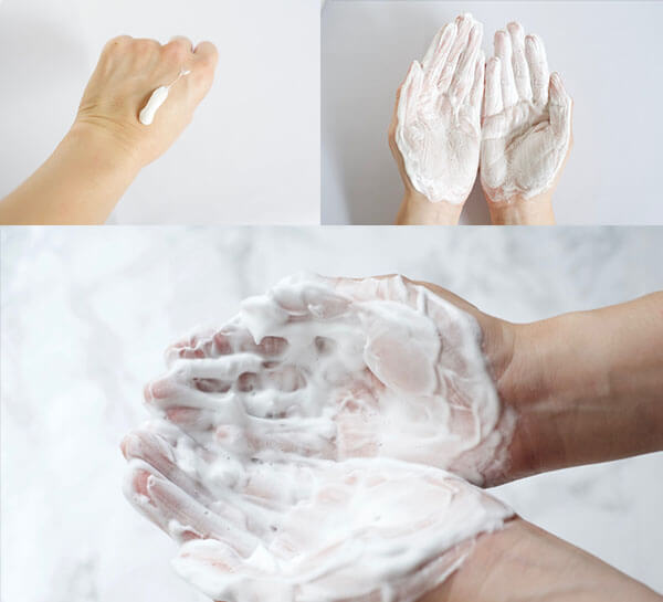 Sản phẩm tạo rất nhiều bọt giúp bạn thoải mái rửa mặt