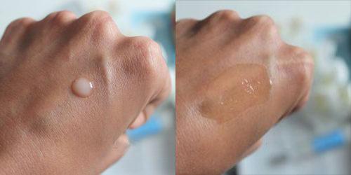 Kết cấu kem trong suốt, nhẹ, nhanh thẩm thấu vào da